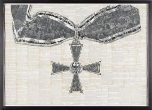"""Marcel Odenbach """"Deutsches Symbol (Bundesverdienstkreuz)"""", 1994, Collage, Fotokopien, Aquarell und Grafit auf Papier, 70 x 100 cm, Courtesy Galerie Gisela Capitain, Köln"""
